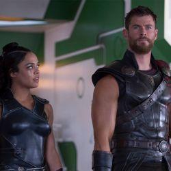 Tessa-Thompson-Chris-Hemsworth-Thor-Ragnarok