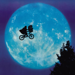 E.T. the Extra-Terrestrial moon poster detail