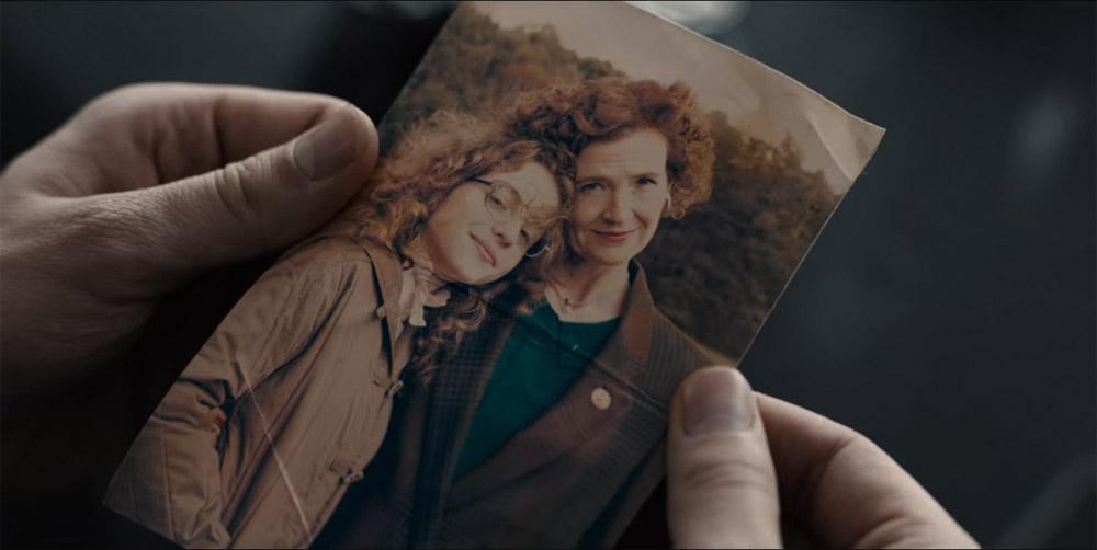Dark Netflix episode 9 Everything is Now Bartosz holding Claudia and Regina photo